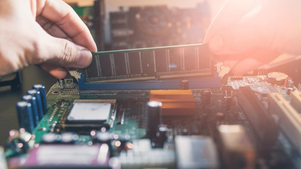 Che differenza c'è tra memoria RAM e ROM? Te la spieghiamo noi!