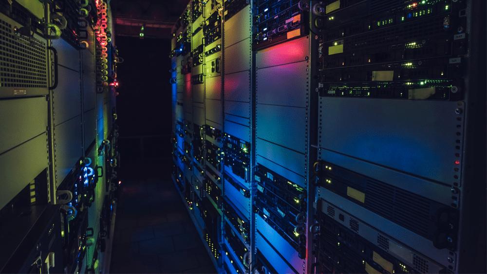 Qual è la differenza tra mainframe e server? Gli specialisti di PCLab rispondono.